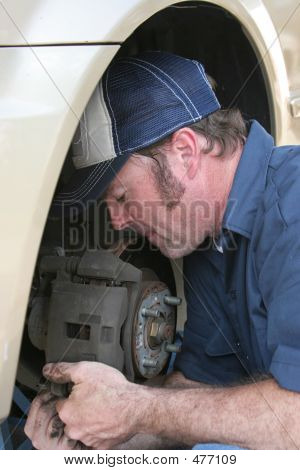 Skilled Auto Mechanic