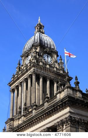 Leeds City Hall With St Georges Flag