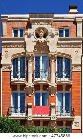 Edif�cio Arte Nova Em Burgos