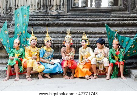Dancers Angkor Wat, Cambodia