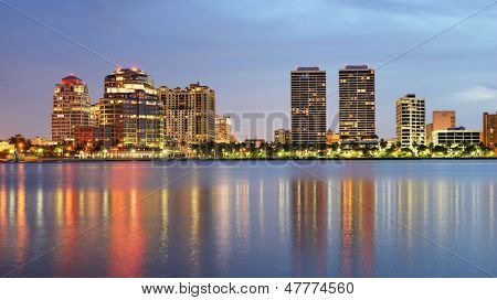 Skyline von West Palm Beach, Florida, USA.
