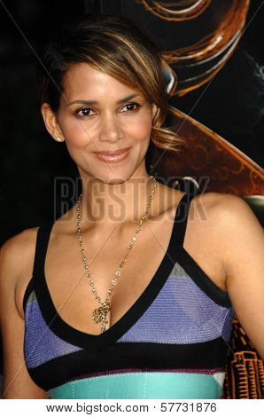 Halle Berry  at the Los Angeles Premiere of 'The Soloist'. Paramount Theatre, Hollywood, CA. 04-20-09