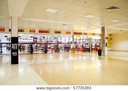 Aldeasa Duty Free Shop, Girona Airport