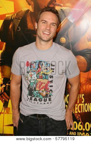 Scott Porter at the U.S. Premiere of 'Watchmen'. Grauman's Chinese Theatre, Hollywood, CA. 03-02-09
