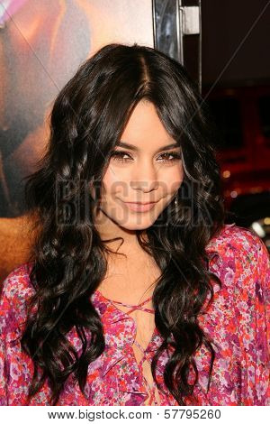 Vanessa Hudgens at the U.S. Premiere of 'Watchmen'. Grauman's Chinese Theatre, Hollywood, CA. 03-02-09