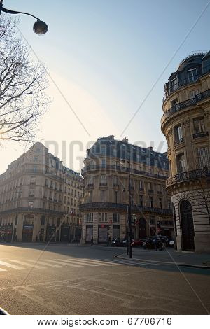 Morning scene in Paris