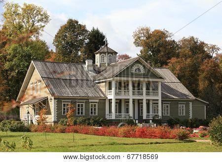 Farmhouse autumn