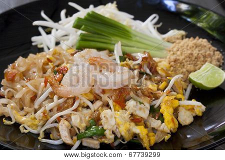 Pad Thai, fried noodles with shrimps