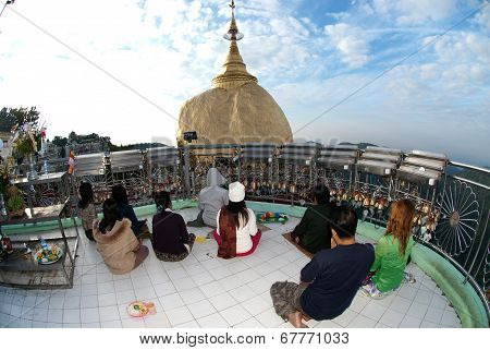 Peoples Praying Kyaikhtiyo Pagoda.