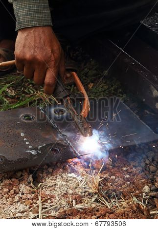 Worker Use Electric Welding