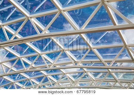 White Steel Support For Glass Ceiling