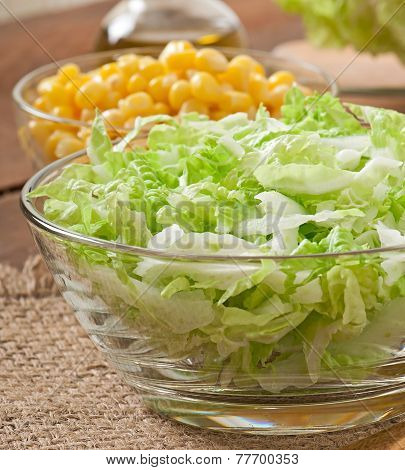 Preparation of salad from Chinese cabbage