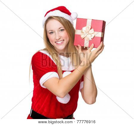 Xmas girl guess the thing in giftbox