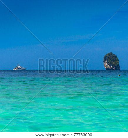 Sea Scene Traveling Overseas