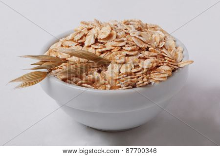 oatmeal oats in a spikelet pialochke