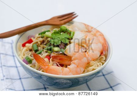 Bowl Of Noodles With Vegetables And Prawn