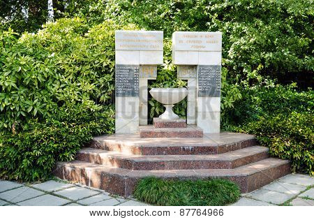 Monument To The Workers Of The Nikitsky Botanical Gardens, Died During The Second World War.