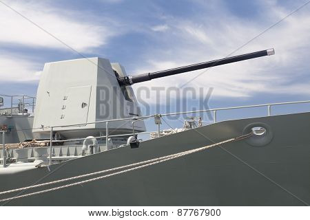 Turret on a destroyer