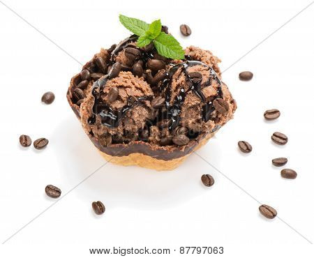 .chocolate Ice Cream With Chocolate Topping