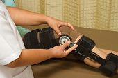 picture of knee  - doctor adjustable angle knee brace support for leg or knee injury - JPG