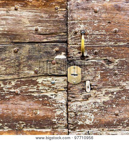 Castellanza   Knocker In A  Door Curch  Closed    Cross