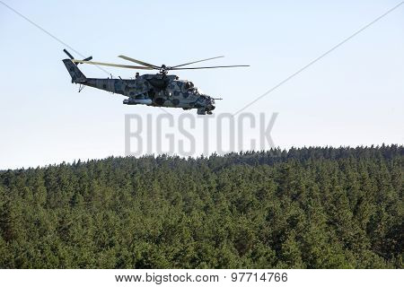 Military Helicopter Mi-24 (hind)