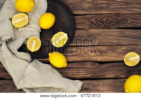 Scattered Yellow Lemons