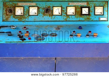 Old electronic control panel of generator set