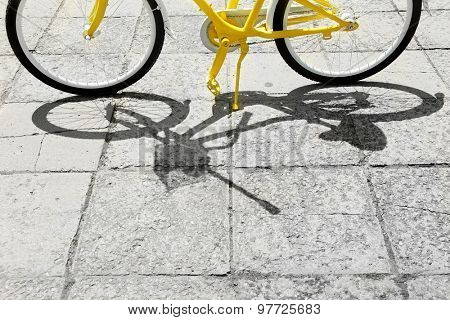 Bicycle wheels, outdoors