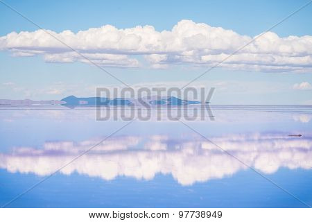 The Stunning Scenery Of Uyuni Salt Lake In Bolivia