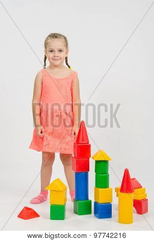 Four-year Girl Has Built A Few Houses Out Of Blocks