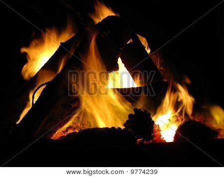 A night bonfire (1)