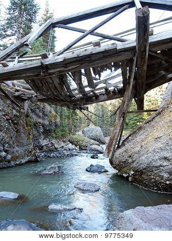 Derelict ponte