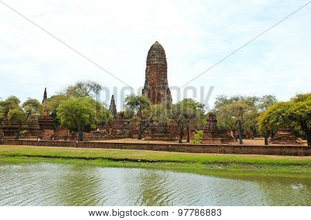 Asian Religious Architecture. Ancient Buddhist Temple Ruins At Wat Phra Ram Temple In Ayutthaya, Tha