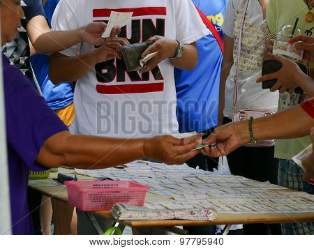 Thai People Are Buying Lottery Ticket
