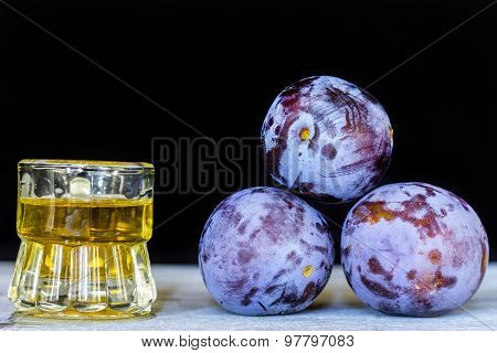 Palinca shot and prunes