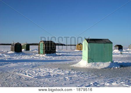 Ice Fishing Huts 3