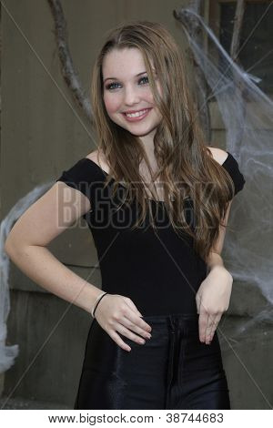 LOS ANGELES - OCT 21: Sammi Hanratty at the Camp Ronald McDonald for Good Times 20th Annual Halloween Carnival at the Universal Studios Backlot on October 21, 2012 in Los Angeles, California