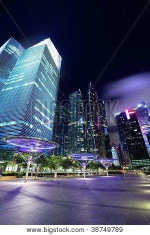 Singapur-Stadt in der Abenddämmerung