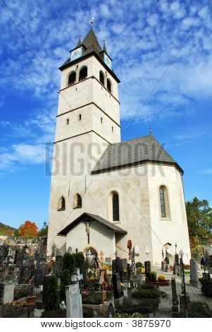 Church Of Our Lady And Cemetery Liebfrauenkirche  Kitzbuhel Austria