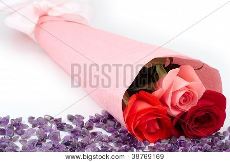 Rose bouquet and amethyst