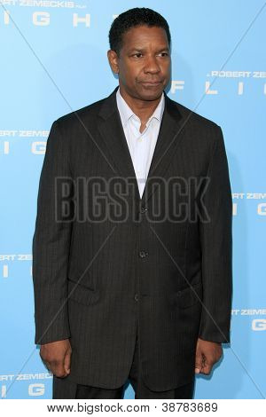 LOS ANGELES - OCT 23:  Denzel Washington arrives at the