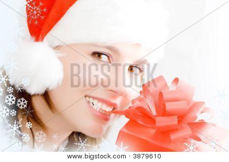 Mädchen mit einem roten Geschenk-box