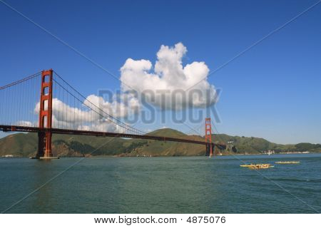 Usa, San Francisco- Golden Gate Bridge And Kayaks