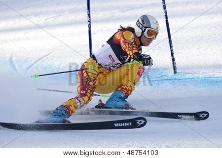 LIENZ, Österreich 28. Dezember 2009. Britt Janyk können Geschwindigkeiten nach unten den Kurs beim konkurrieren in der ersten