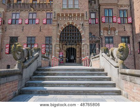 Main entrance to Castle De Haar, The Netherlands