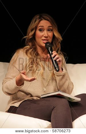 Haylie Duff appearing at the Los Angeles Ultimate Women's Expo, Los Angeles Convention Center, Los Angeles, CA 10-27-13