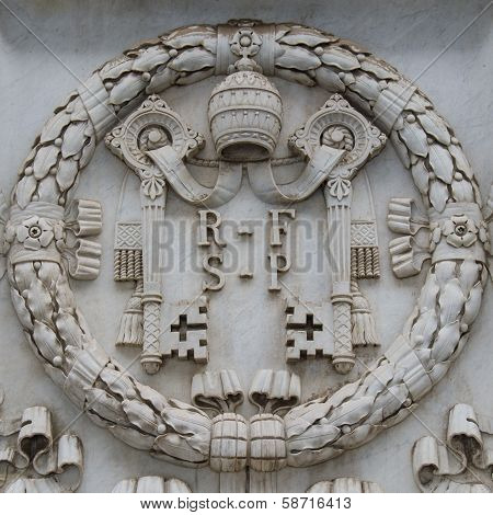 Vatican shield carved in stone