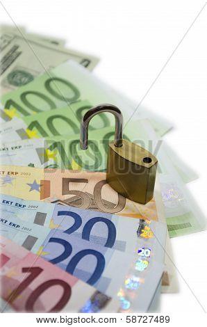 Money with locker