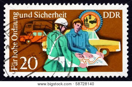 Postage Stamp Gdr 1975 Policeman Helping
